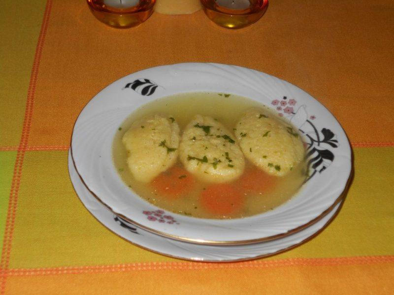Supa de pui cu galustele