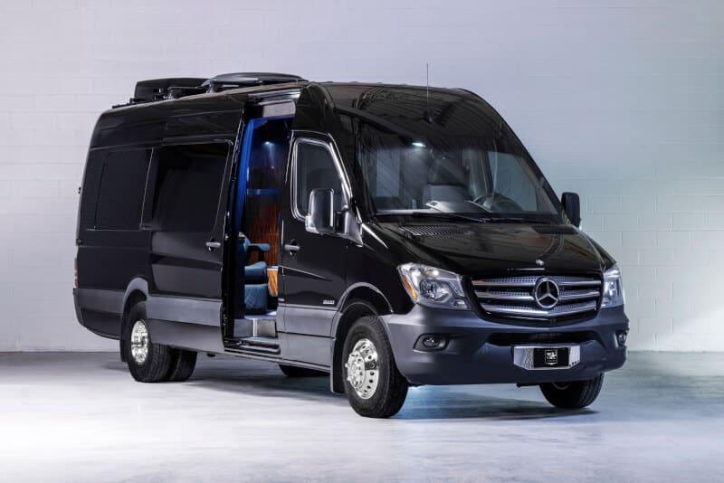 Exteriorul lui Mercedes-Benz Sprinter