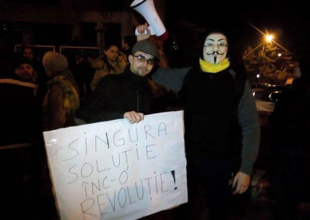 Singura solutie inc-o revolutie