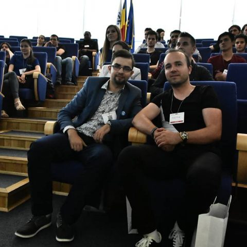 Andrei Cenusa si Iulian Sanducu la Codecamp