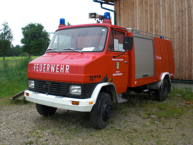 Autospeciala pompieri STEYR 591