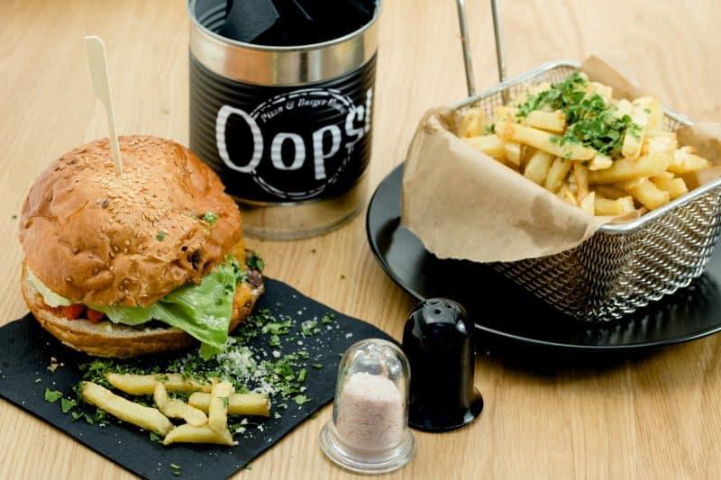 Meniu-Burger-Restaurant-Oops-Radauti