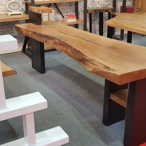 Masa lemn masiv de la RONEX