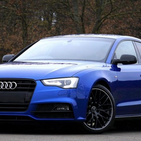 Audi cu faruri h8