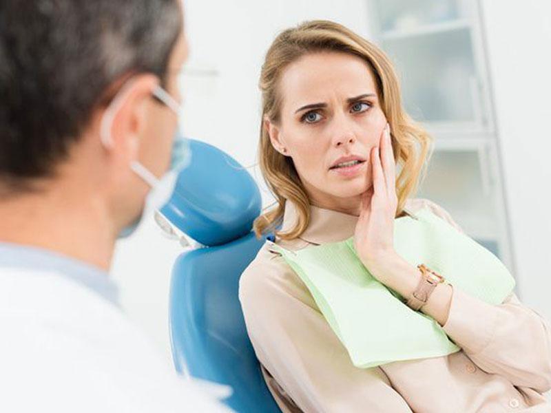 Cum-decurge-o-extractie-dentara