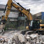Lucrează inteligent și rapid cu ajutorul unui excavator închiriat