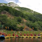 Activitati de team building pe Valea Cernei
