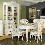 Preţuri accesibile la mobila de lux disponibilă în stocul magazinelor online